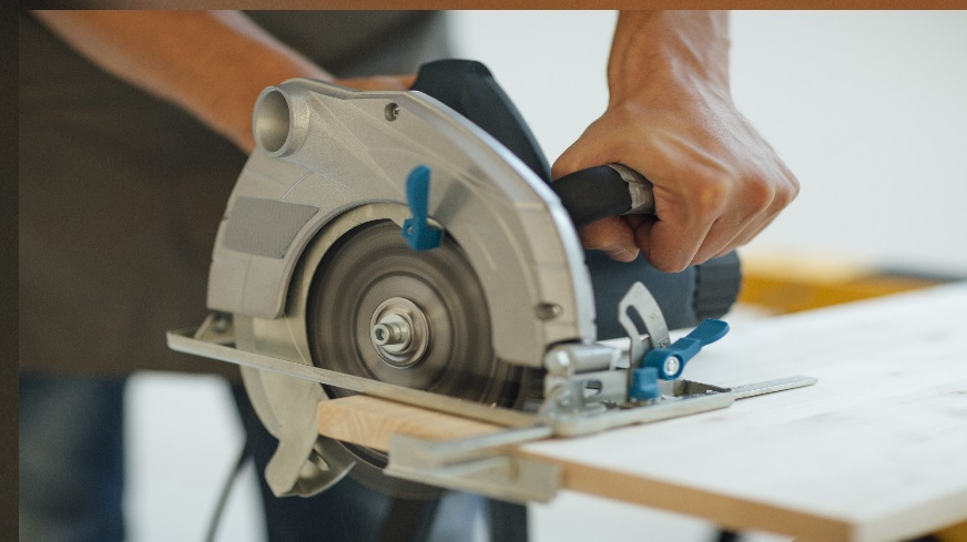 Best Metal Cutting and Chop Saw Reviews